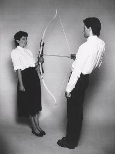 Marina-Abramovic-arrow